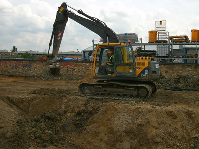 brownfield-remediation-contractor-excavator